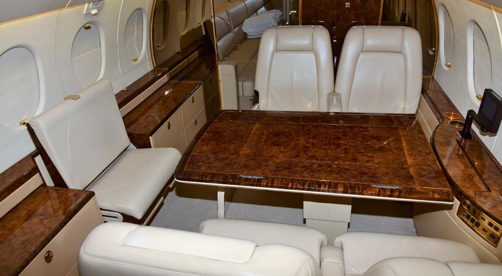 Falcon-900EX-NEW-Interior1