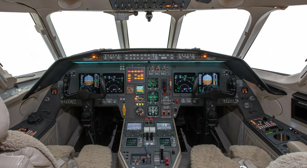 Falcon2000-2-NewCockpit